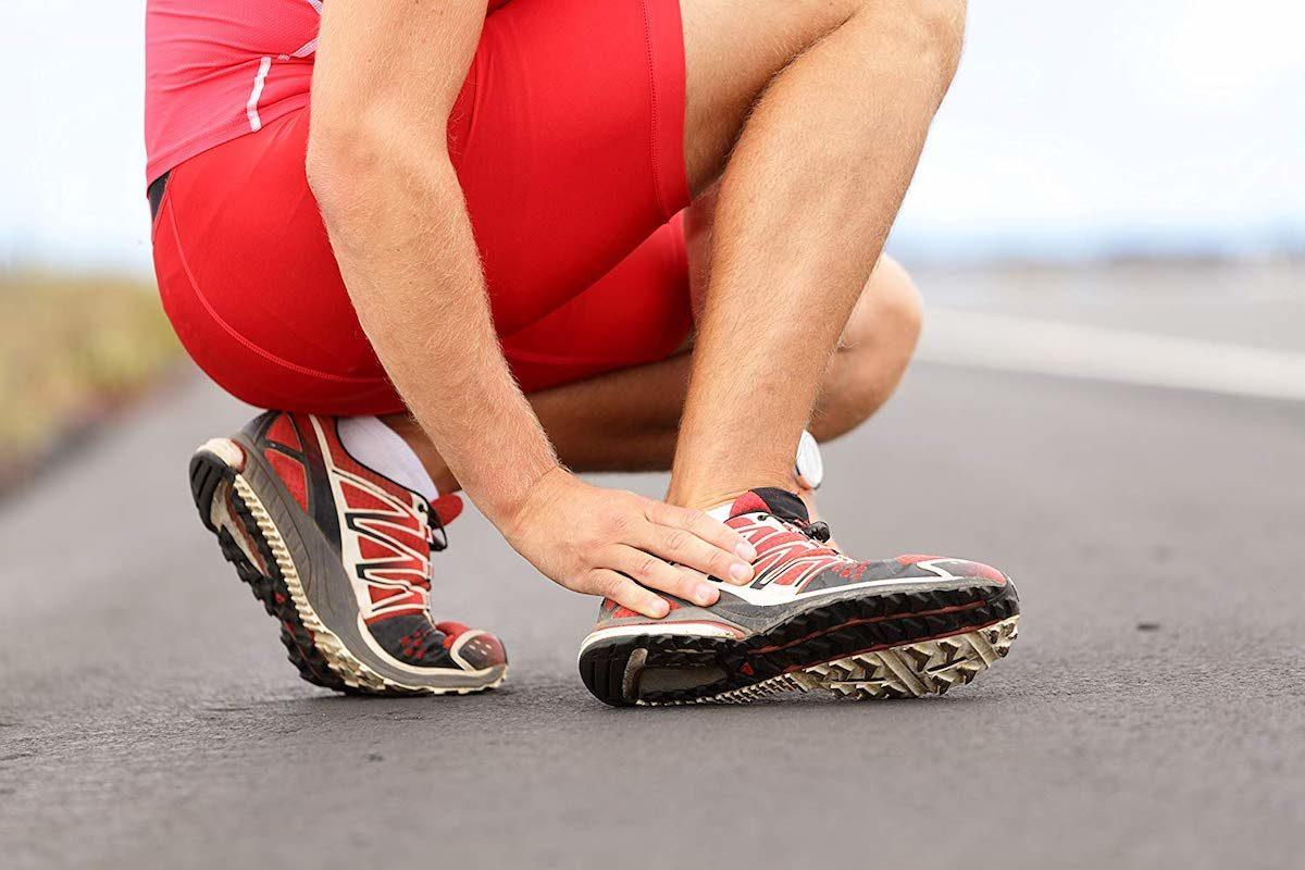 distorsione-di-caviglia-quale-trattamento-ha-piu-efficacia-1200x800.jpg